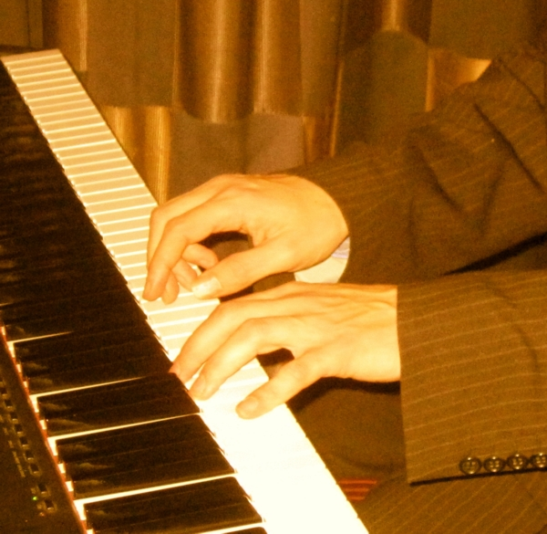 Stardust Music picture - classical and jazz piano for hire for weddings in Bristol.